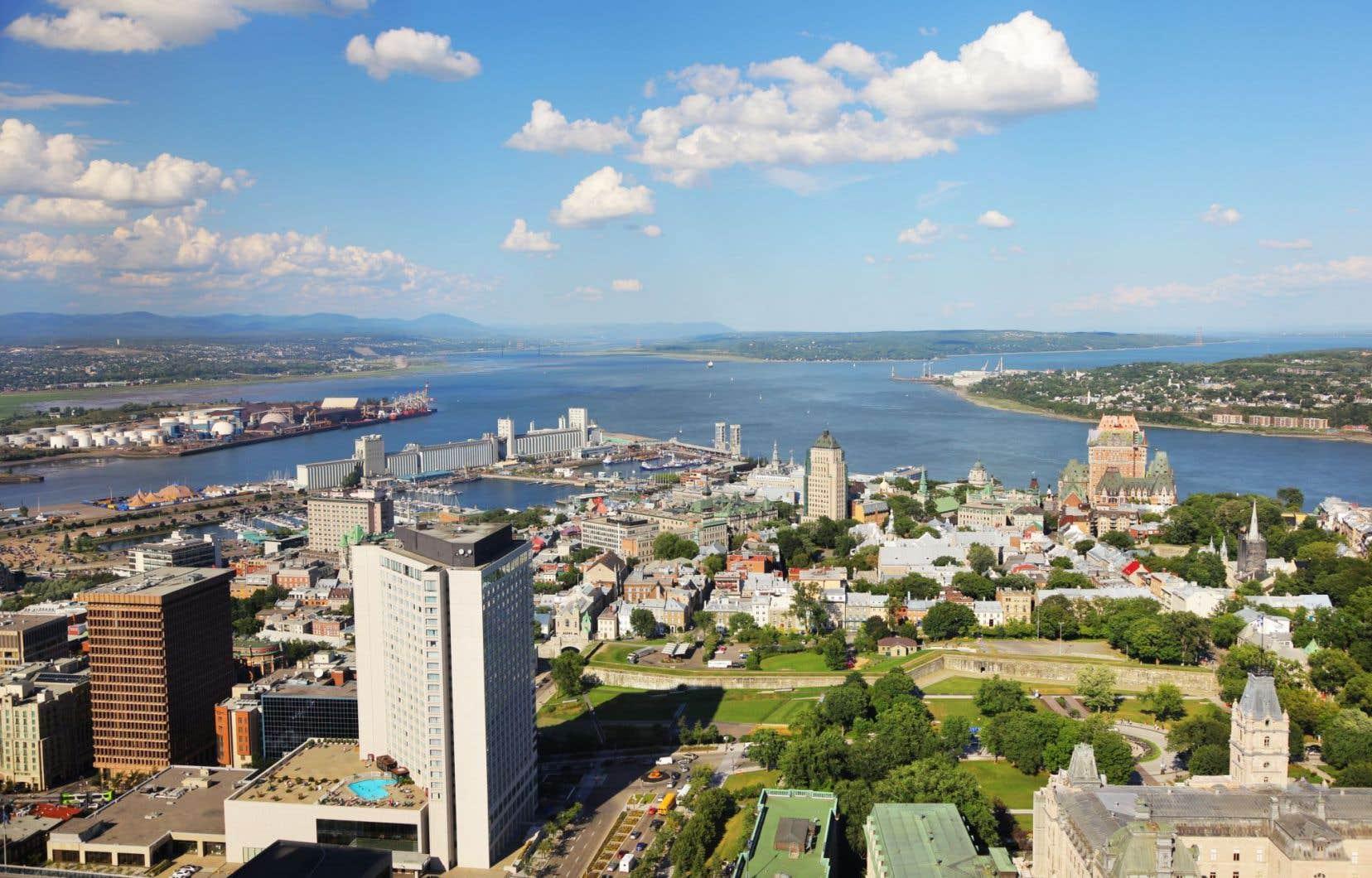 <p>«Dans sa forme la plus récente, l'énigme de Québec se confirme par le succès du Parti conservateur dans la région depuis l'élection fédérale de 2006», suggère l'auteur.</p>