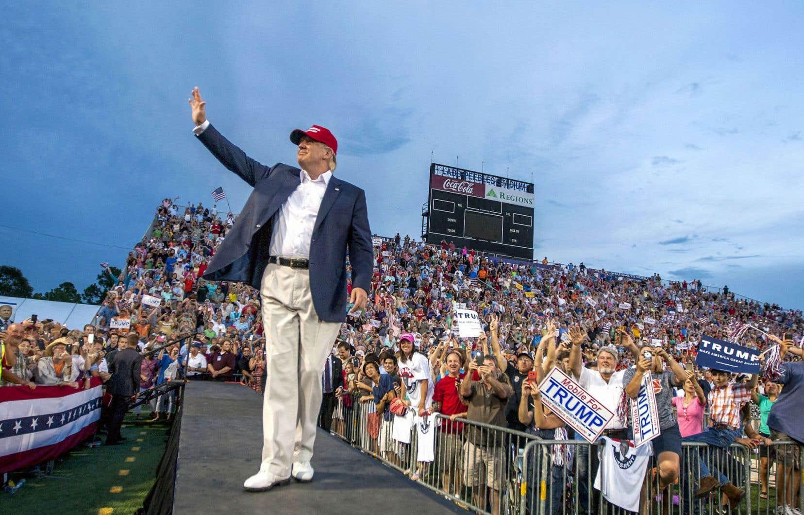 Donald Trump a reçu près de 63millions de votes, ce qui l'a propulsé au plus haut cabinet des États-Unis.