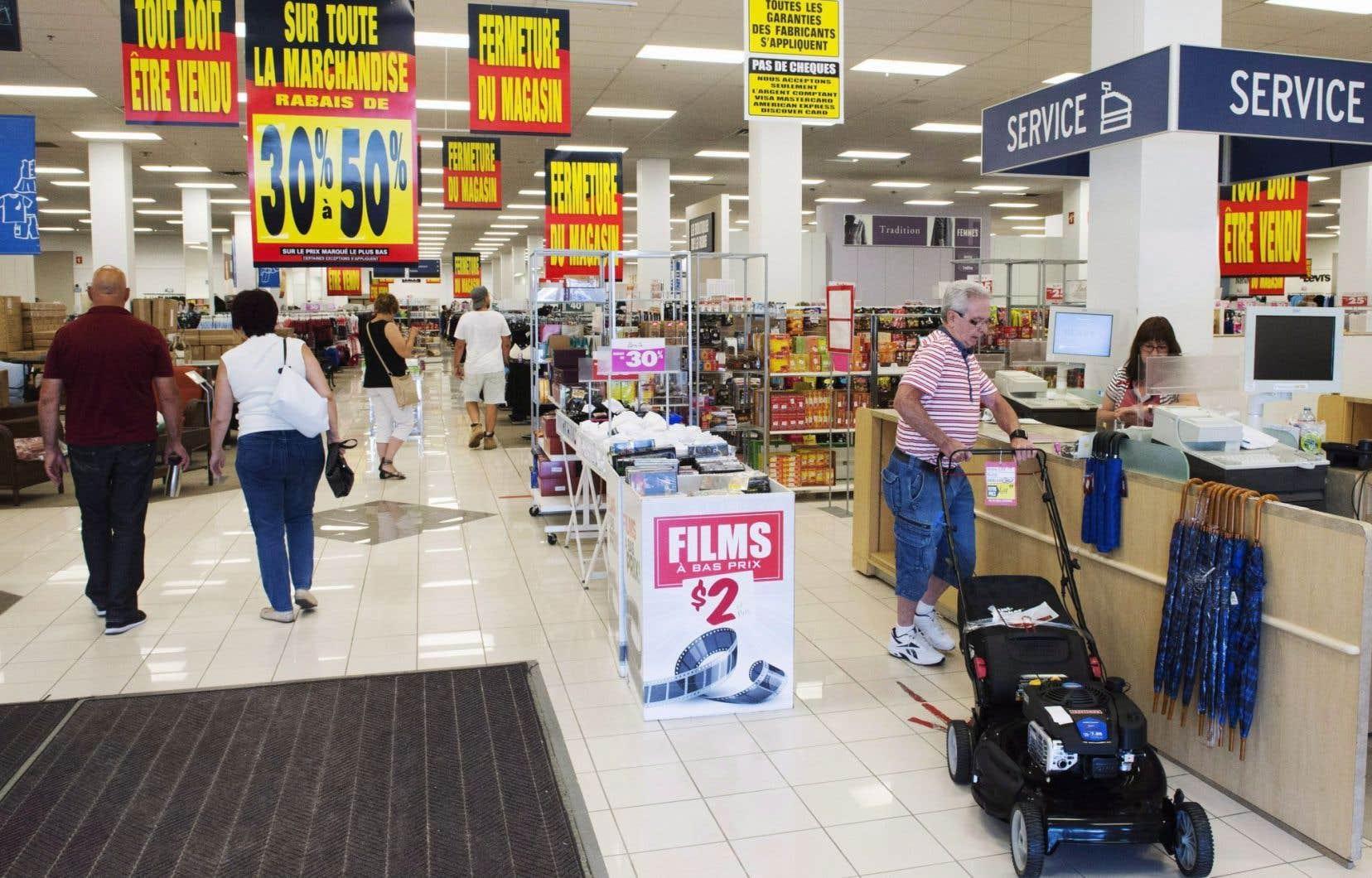 Engagée depuis trois semaines dans un processus de liquidation aux magasins ciblés par une fermeture, l'entreprise vit depuis 10ans une détérioration constante de ses finances.