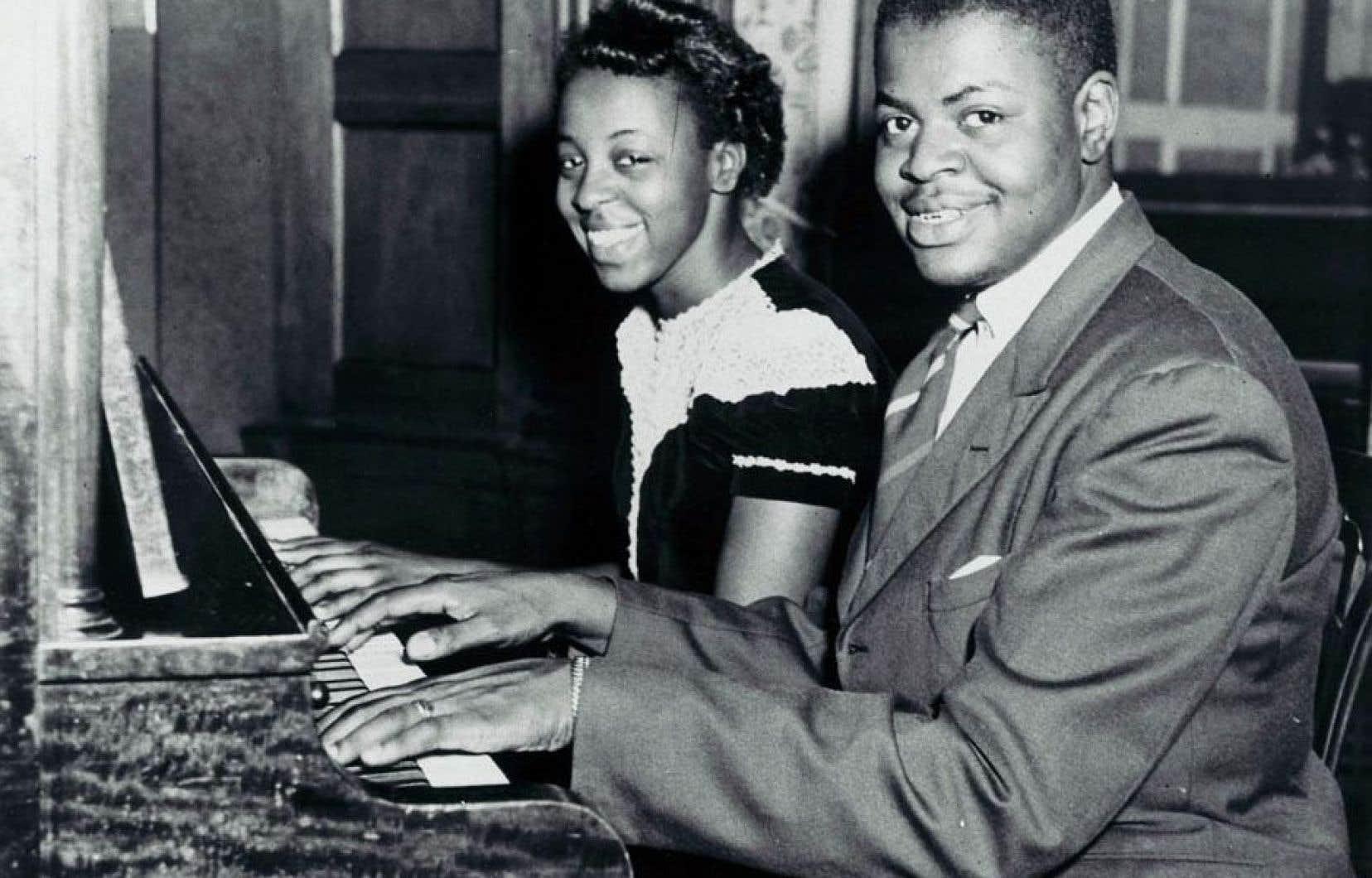 Sœur et frère, Daisy et Oscar Peterson dans les années 1940