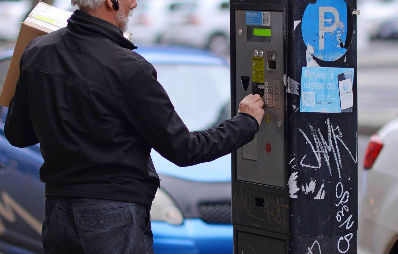 Les automobilistes qui ne souhaitent pas faire leur transaction à l'une des bornes de stationnement peuvent se servir del'application P$ Service mobile.