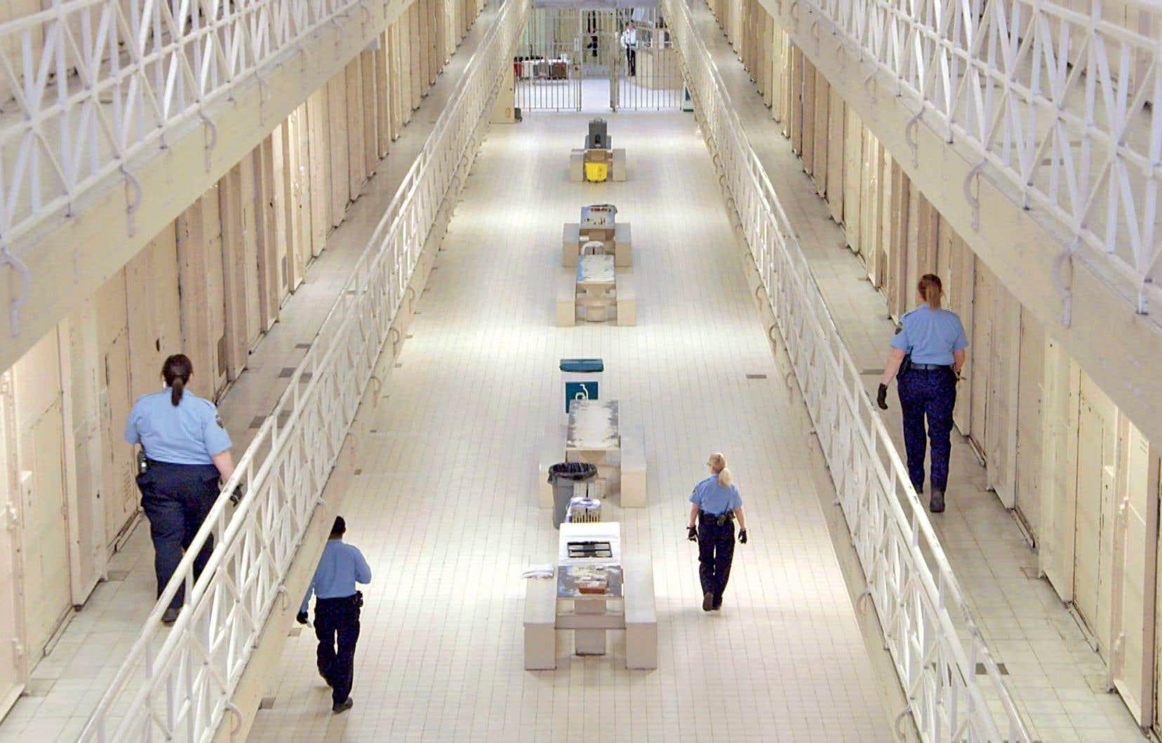 Les détenus font preuve d'ingéniosité pour réussir à camoufler des objets qui sont interdits en prison.