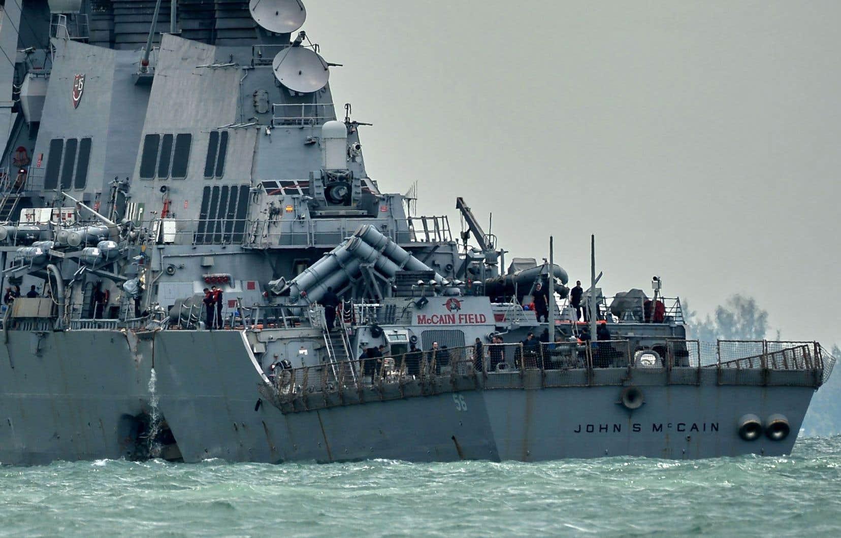 Le contre-torpilleur porte le nom du père et du grand-père du sénateur républicain John McCain, tous deux des amiraux de la marine américaine.