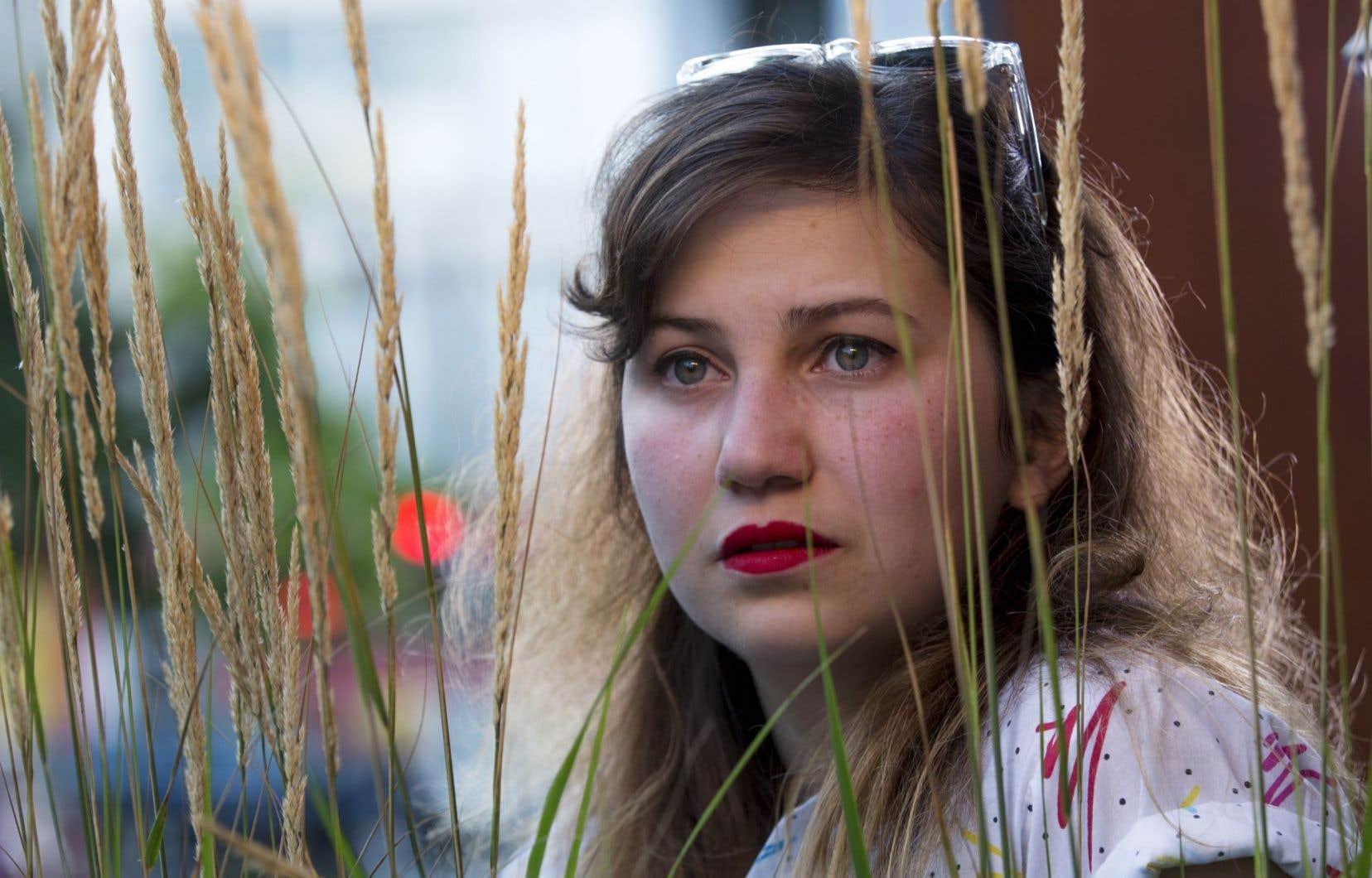 Vivianne Roy, alias Laura Sauvage, fera paraître son deuxième disque en solo cet automne.