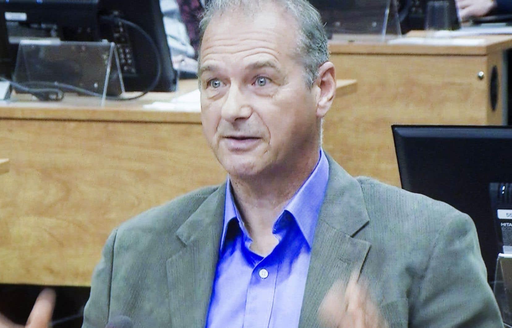 Ernest Murray avait plaidé coupable au début du mois d'août à une accusation d'avoir conseillé à une personne de commettre un acte criminel, sans qu'il soit toutefois commis.