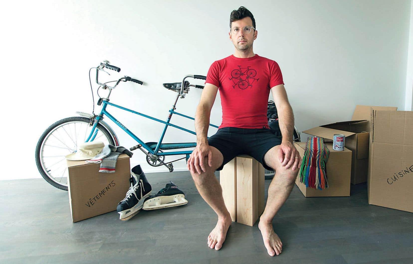 Pour mener à bien son expérience de consommation uniquement canadienne pendant un an, Frédéric Choinière a dû trouver des solutions pour ses meubles, ses électroménagers, sa nourriture, ses vêtements, ses appareils électriques.