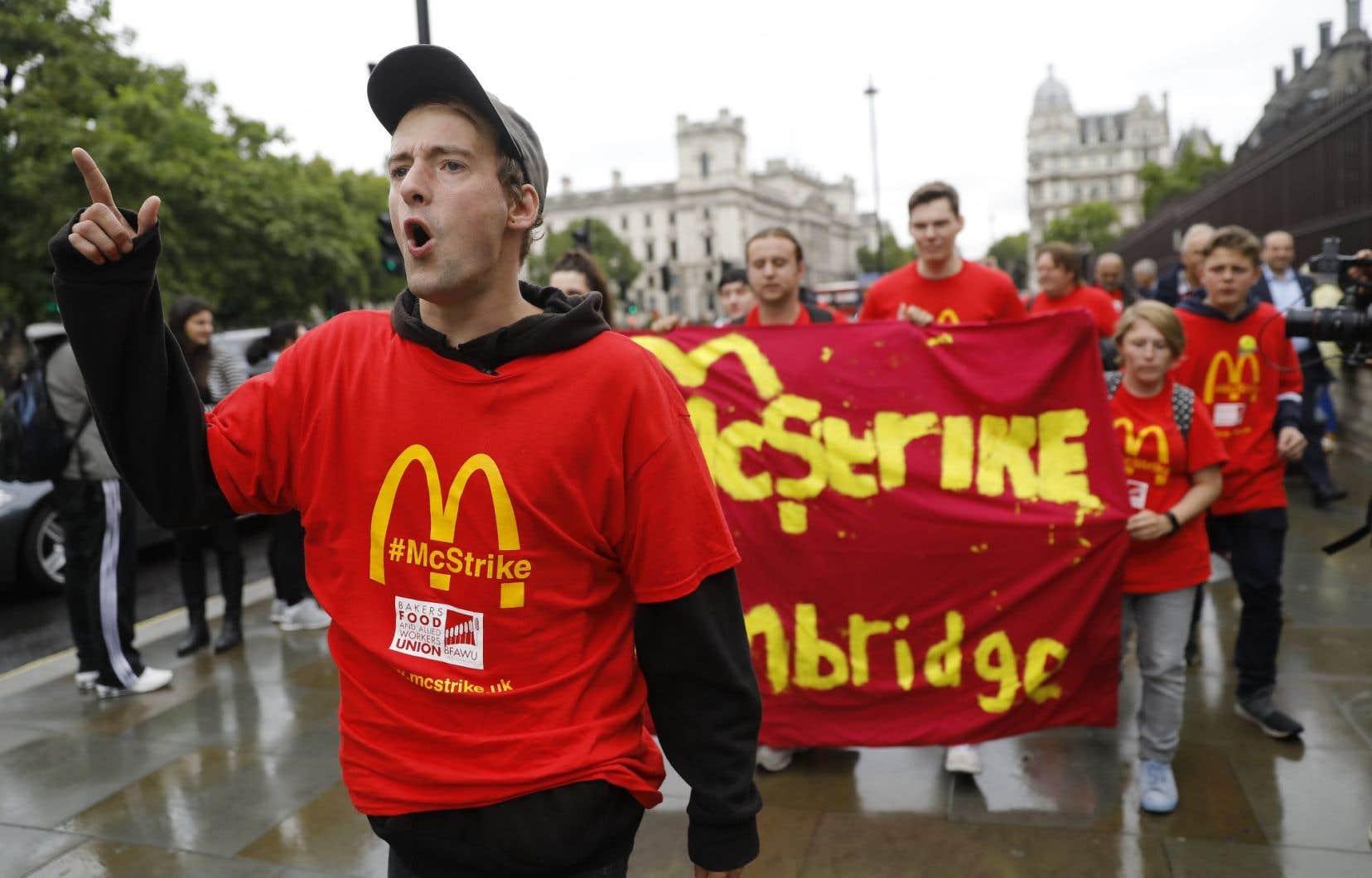 Le conflit porte sur des salaires jugés trop modestes, les conditions de travail et la sécurité de l'emploi.