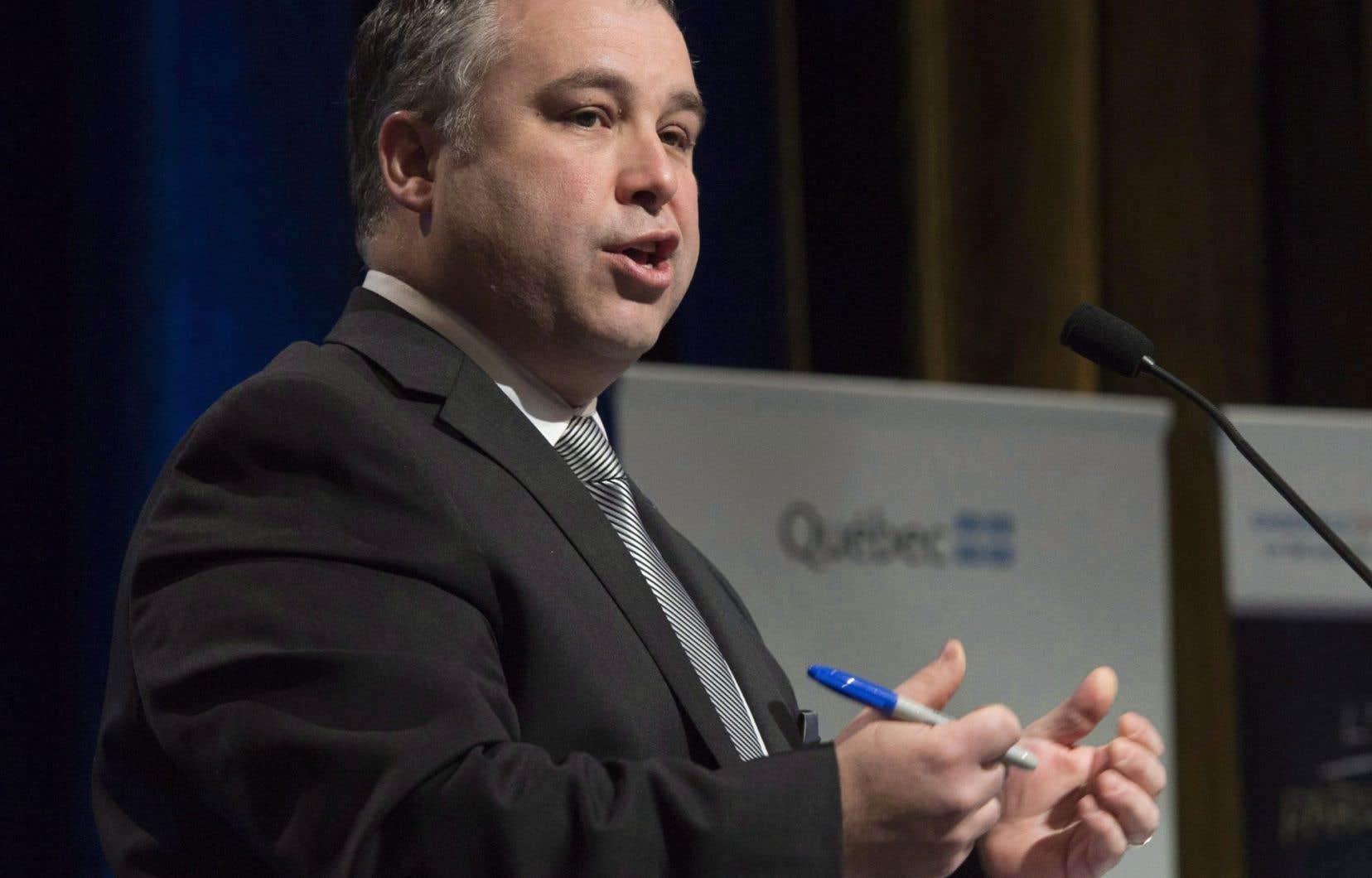 Le ministre de l'Éducation, du Loisir et du Sport, Sébastien Proulx