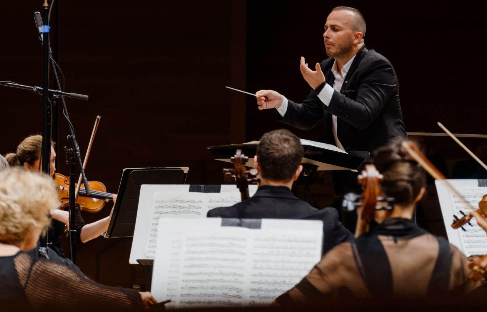 Le chef de l'Orchestre métropolitain du Grand Montréal, Yannick Nézet-Séguin, pendant le 1er mouvement de la «5e symphonie» de Bruckner, jeudi soir.