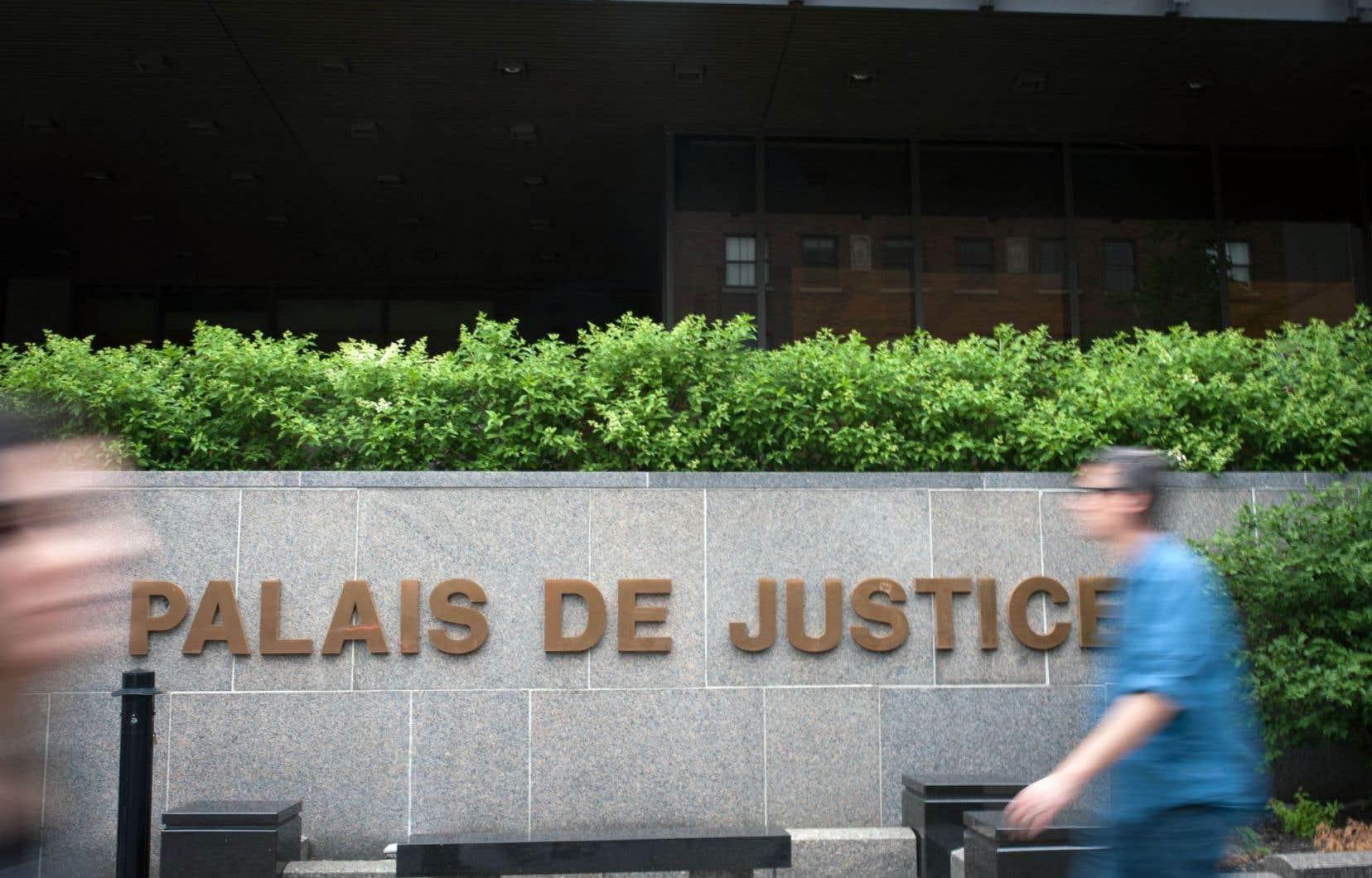 Le procès se poursuit mardi au palais de justice de Montréal.