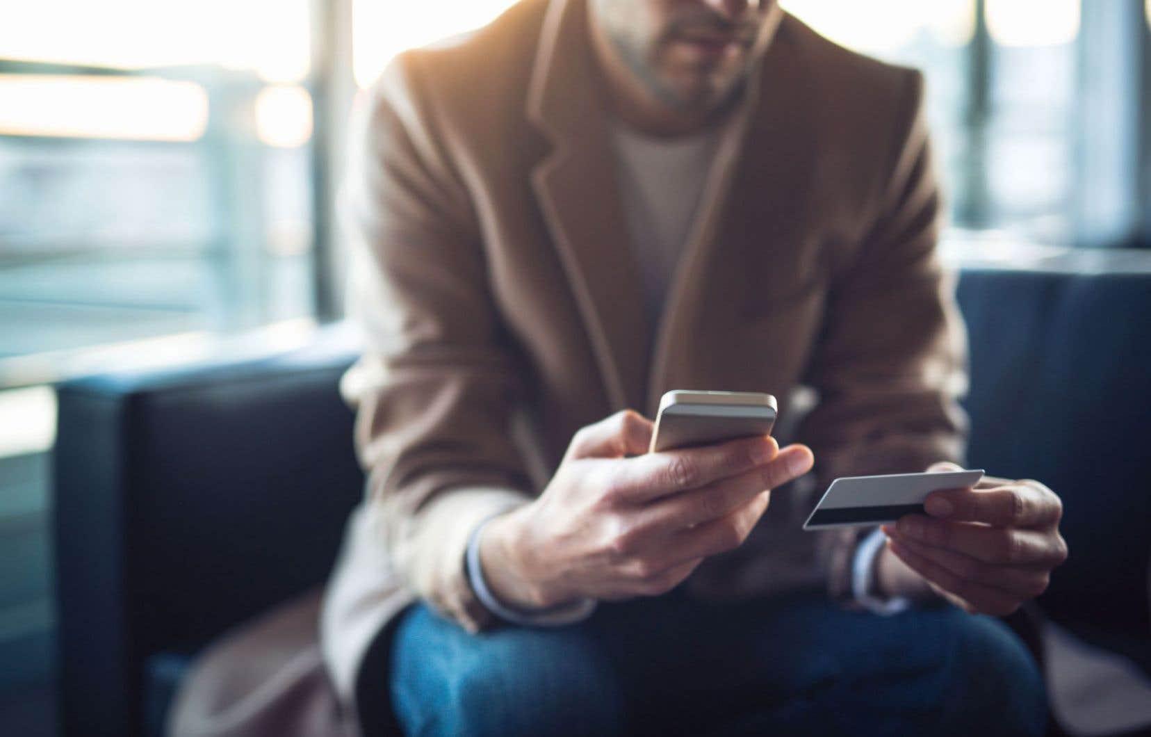 La croissance du commerce en ligne au Québec s'explique notamment par le fait que le téléphone mobile continue de gagner du terrain.