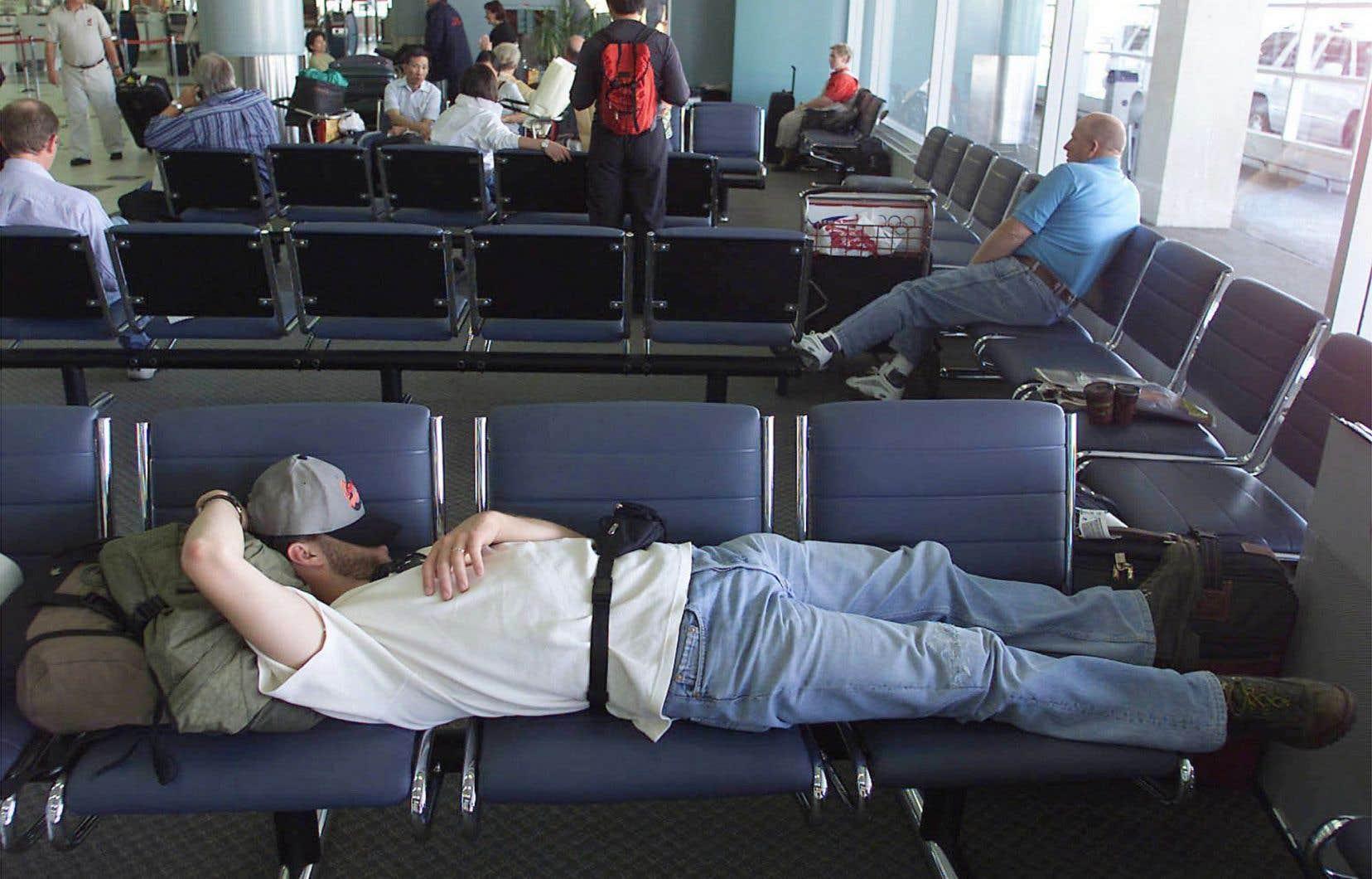 Le projet de loi C-49 place sur les épaules des transporteurs la responsabilité de dédommager les passagers en cas de retard ou d'annulation des vols, par exemple.