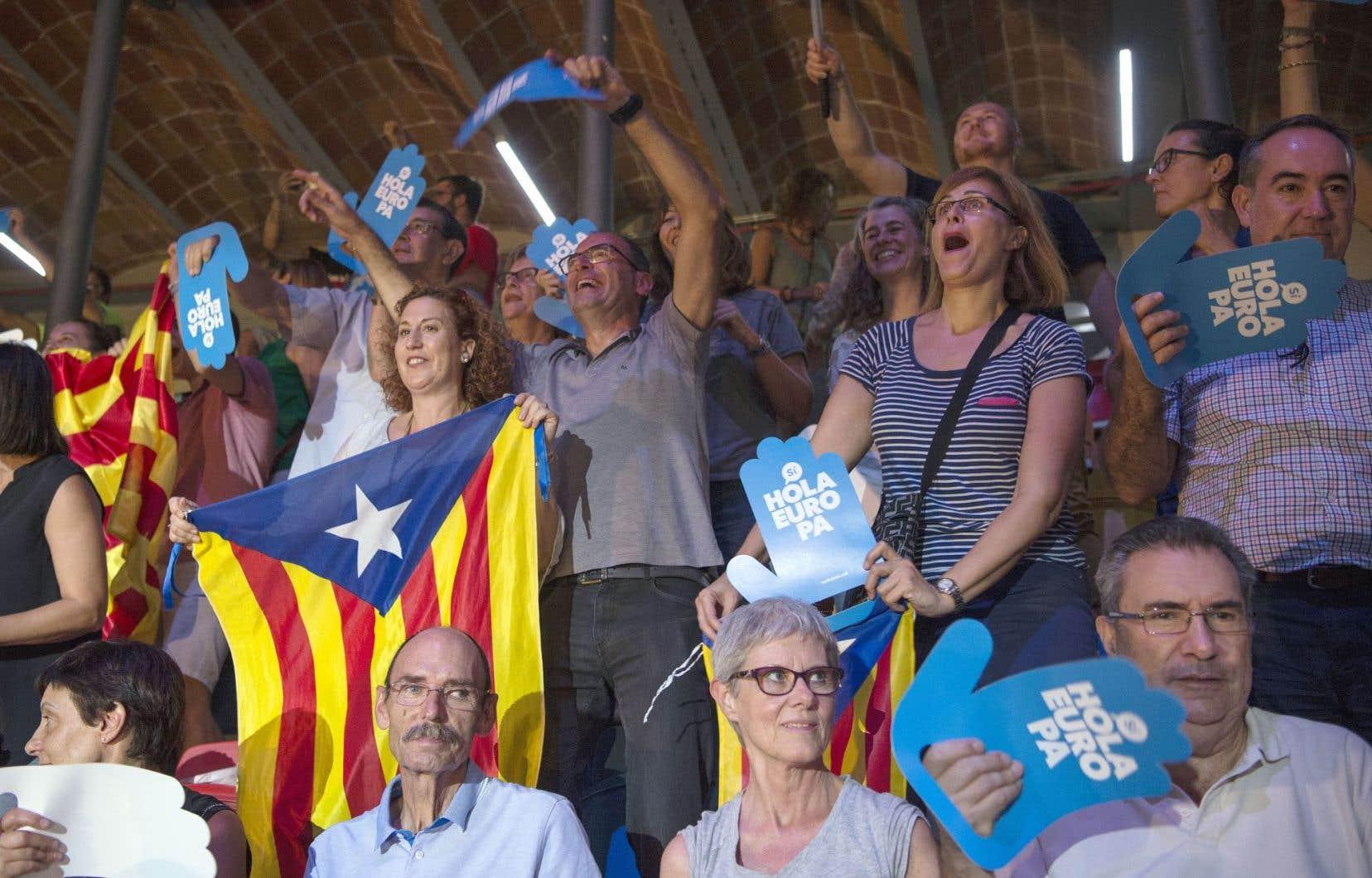 La foule était fébrile au lancement de la campagne, à la Tarraco Arena, à Tarragone.
