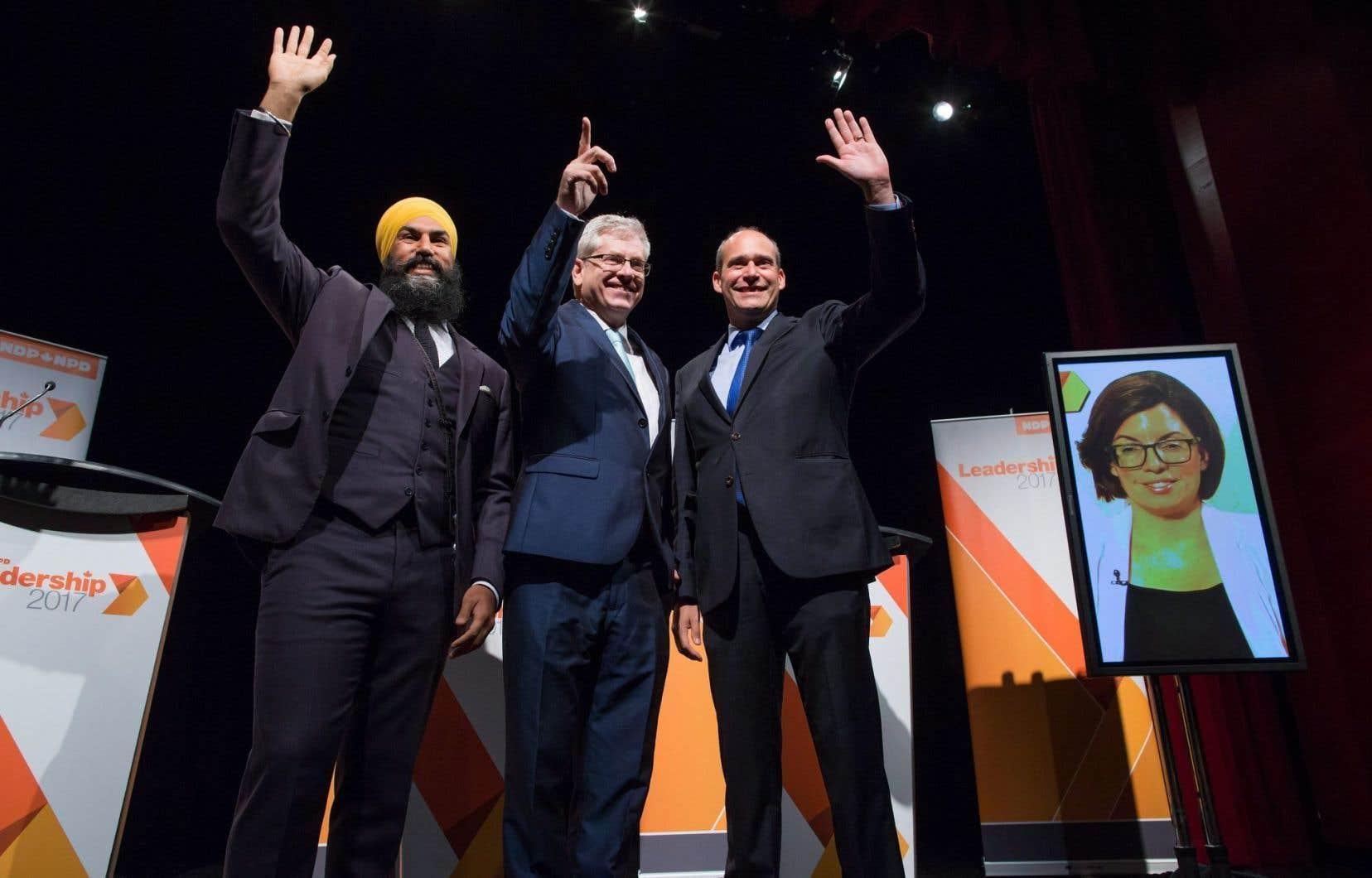 Les candidats à la chefferie du NPD (de gauche à droite) Jagmeet Singh,Charlie Angus, Guy Caron etNiki Ashton.