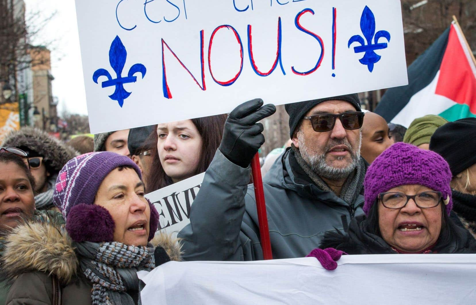 Mon pluralisme n'est pas une religion, mais l'expression d'une pensée qui ne suppose pas que le respect de l'autre signifie une diminution de soi-même. Et il n'est pas un dénigrement, mais un amour du Québec, souligne l'auteur.