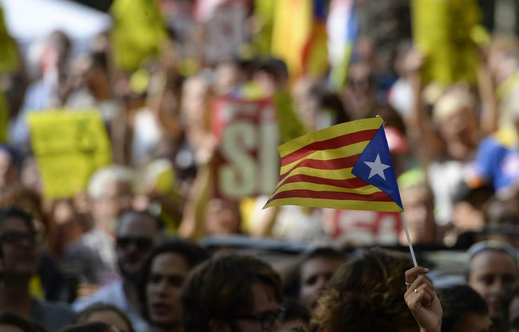 Ni Philippe Couillard ni la ministre des Relations internationales, Christine St-Pierre, n'ont condamné jusqu'ici les assauts de Madrid contre le référendum sur l'indépendance de la Catalogne.