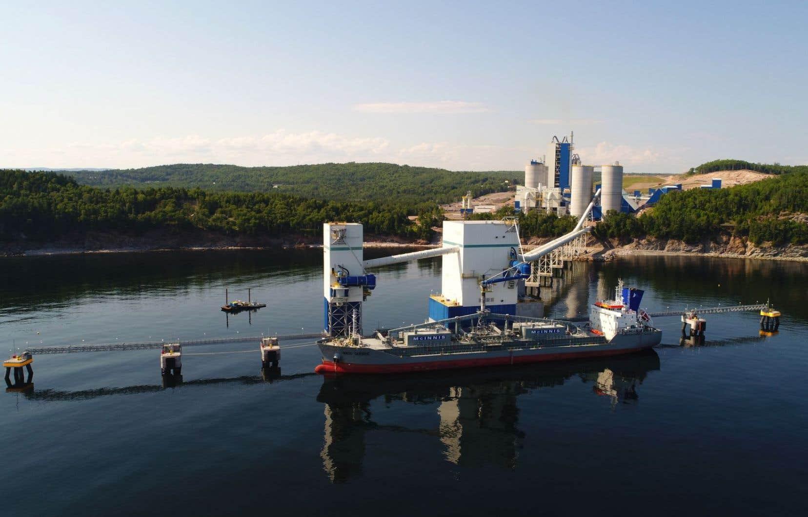 La nouvelle usine de Port-Daniel, qui a commencé à produire du ciment en juin, a une capacité de production annuelle de 2,2millions de tonnes.