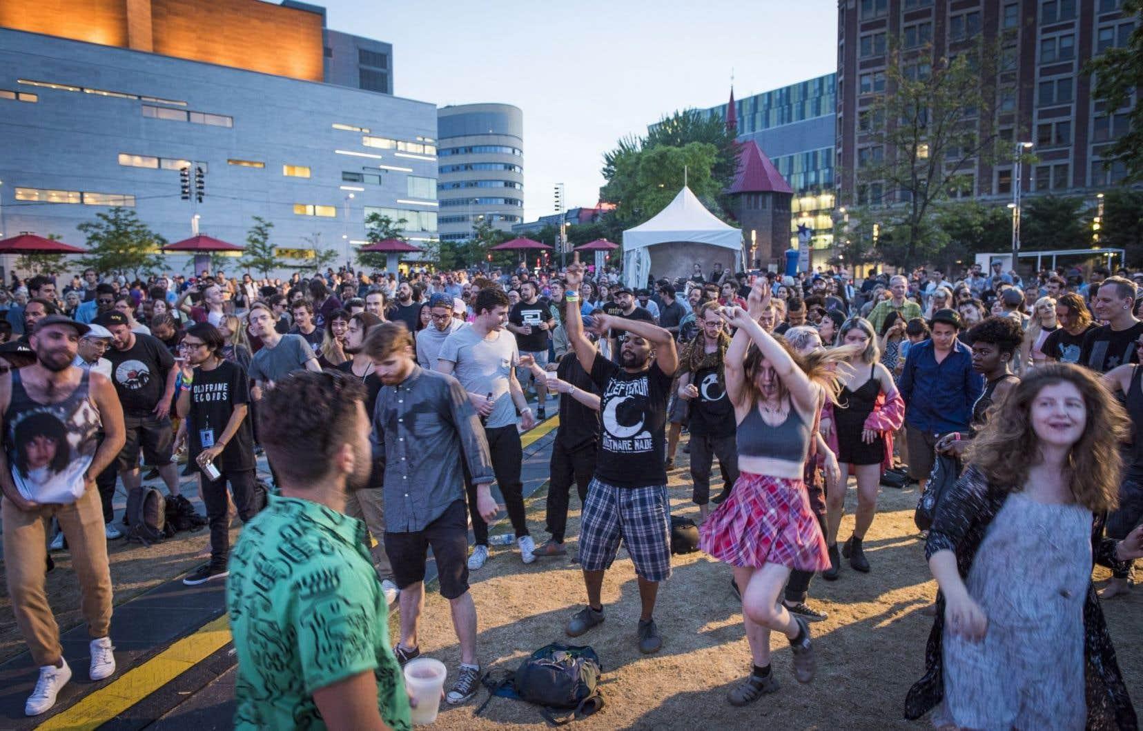 L'édition 2016 du festival MUTEK au Quartier des spectacles à Montréal.