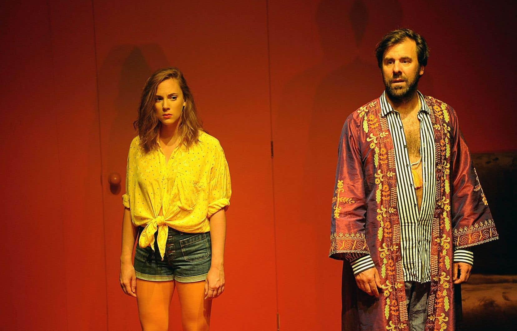 Alice Moreault et Bruno Marcil dans une scène de la jouissive pièce «Psychédélique Marilou»