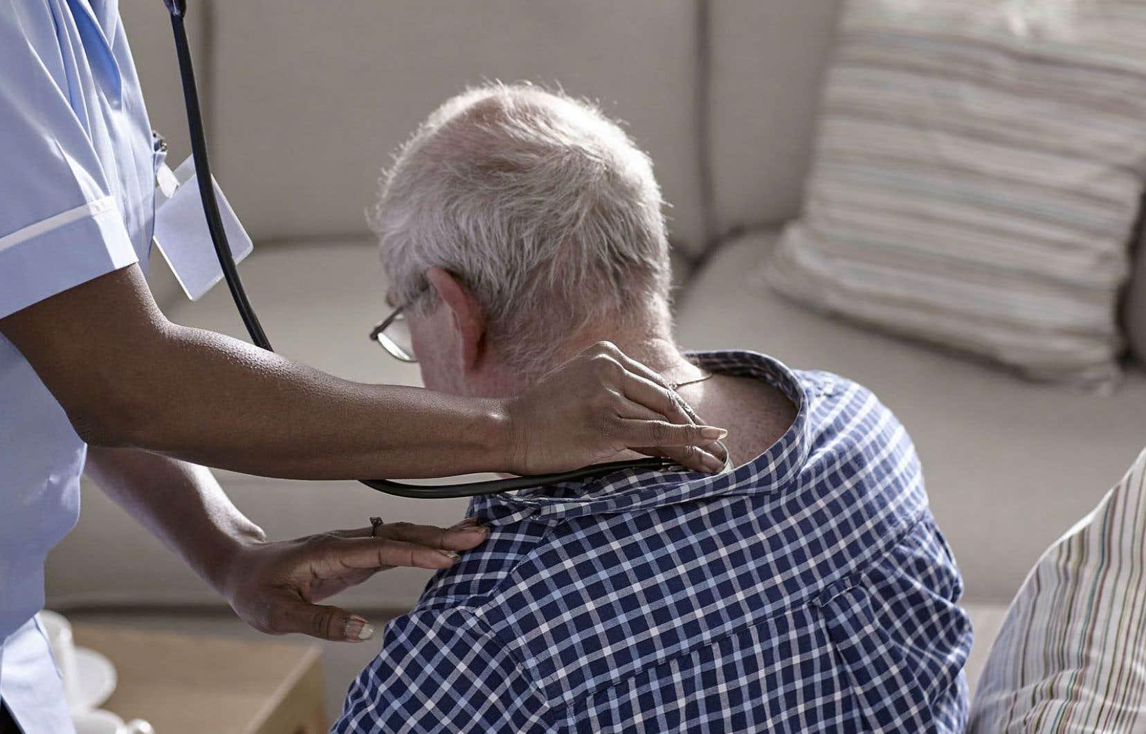 La durée moyenne d'une intervention auprès des personnes recevant des services à domicile a fondu de 7,4% en six ans pour s'établir à 44 minutes en 2015-2016.