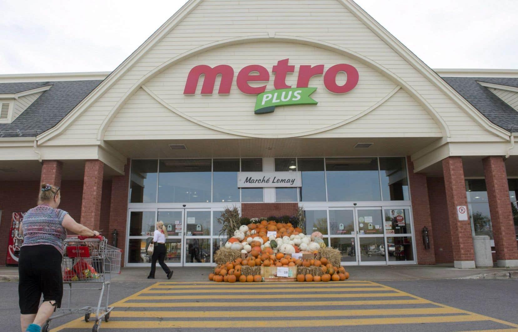 Metro et Jean Coutu ont confirmé mercredi discuter d'un éventuel regroupement de leurs activités.