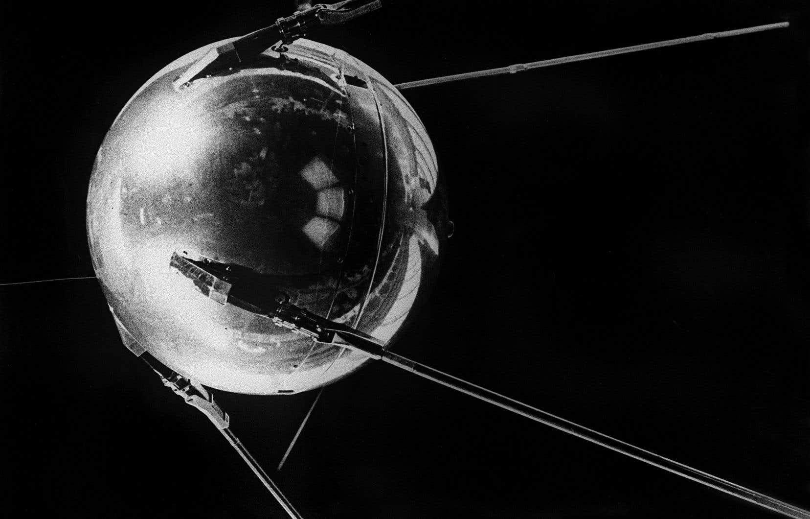 Le lancement de l'iconique sphère aux quatre antennes, le 4 octobre 1957, a eu une résonance mondiale immédiate.