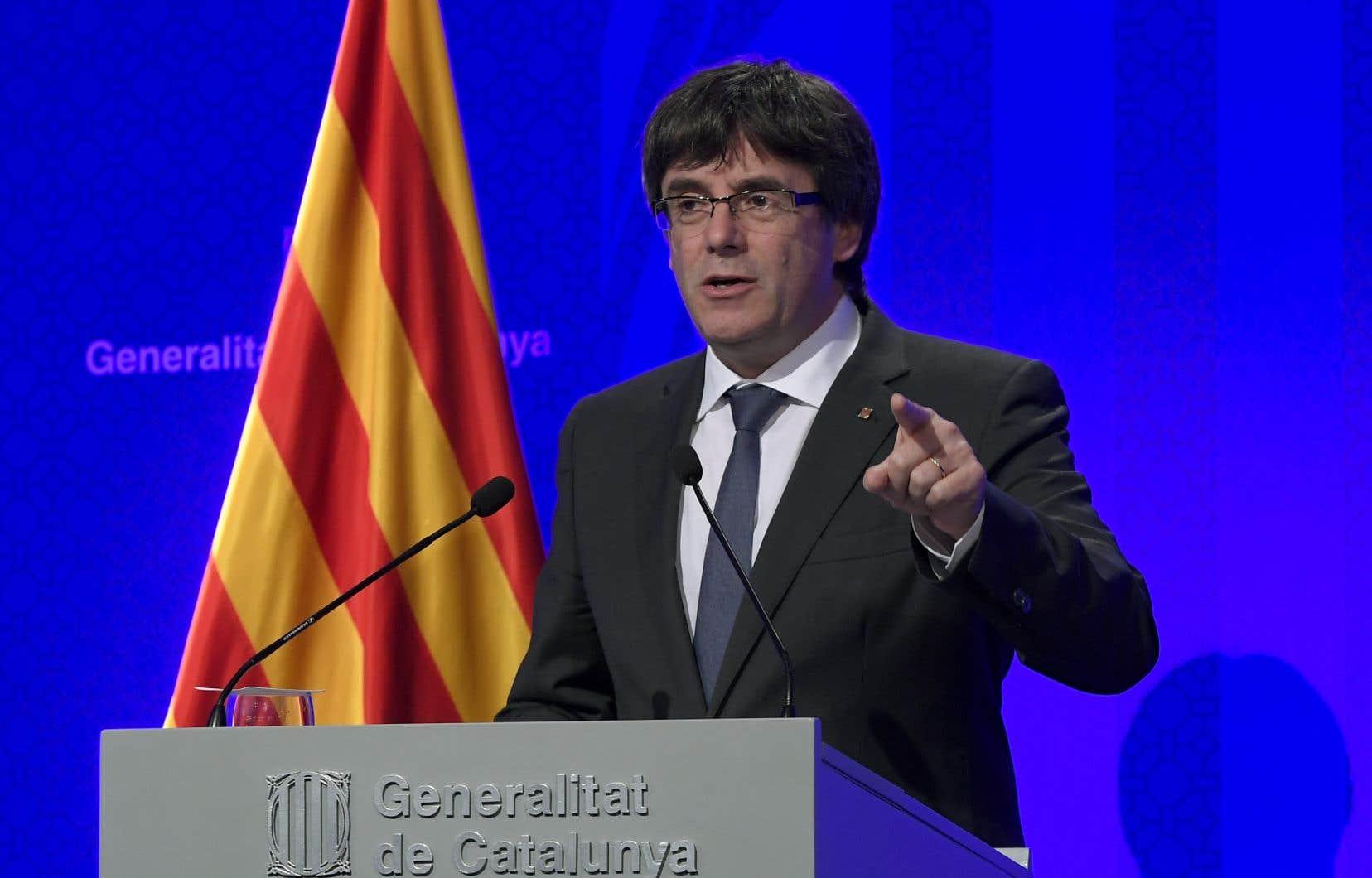 Le président catalan, Carles Puigdemont, considère que les citoyens de Catalogne ont gagné «le droit d'avoir un État indépendant qui prenne la forme d'une République».
