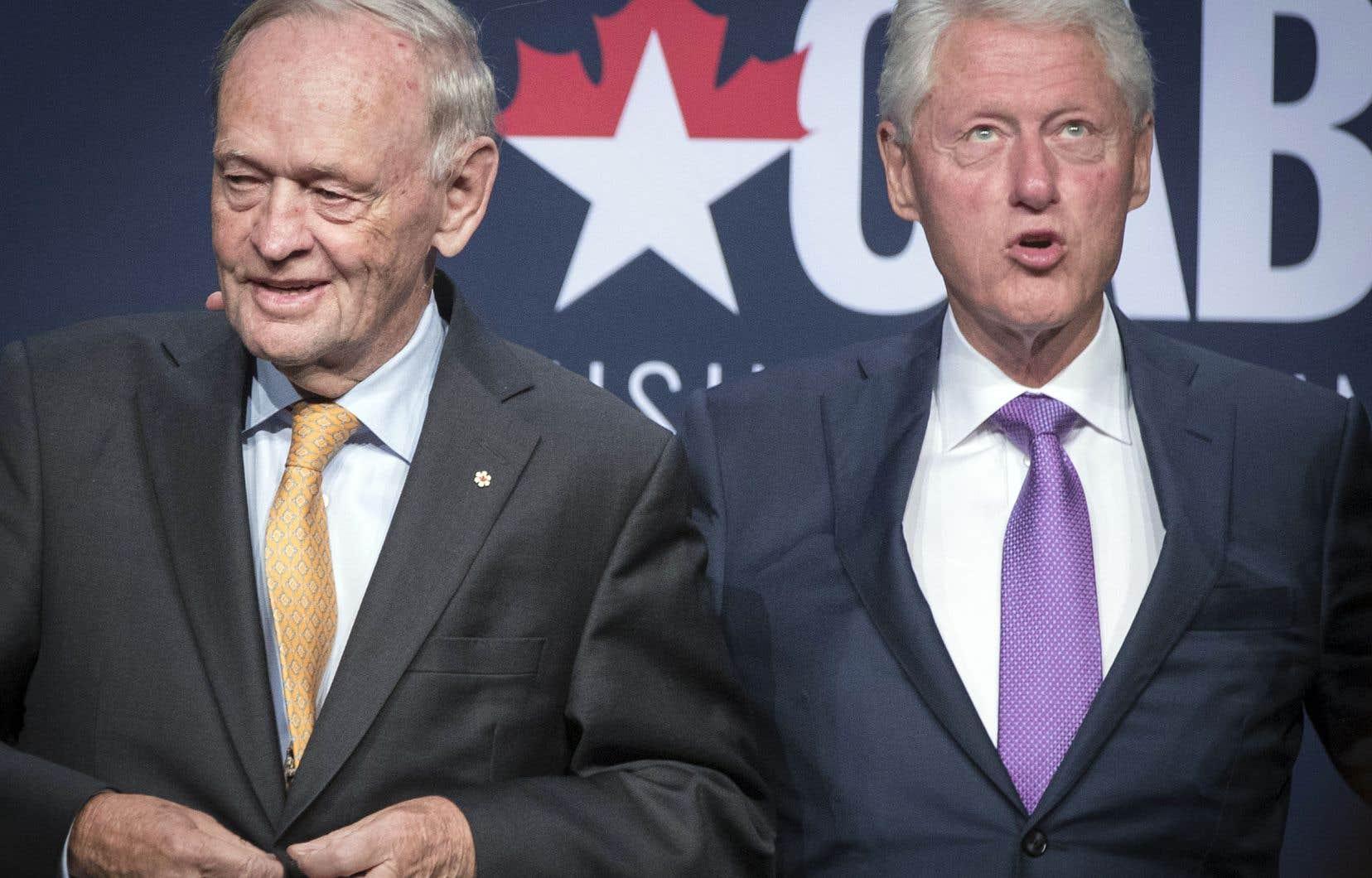 Jean Chrétien et Bill Clinton avaient visiblement beaucoup de plaisir à se retrouver sur scène, mercredi soir, devant la salle bondée du Palais des Congrès de Montréal.