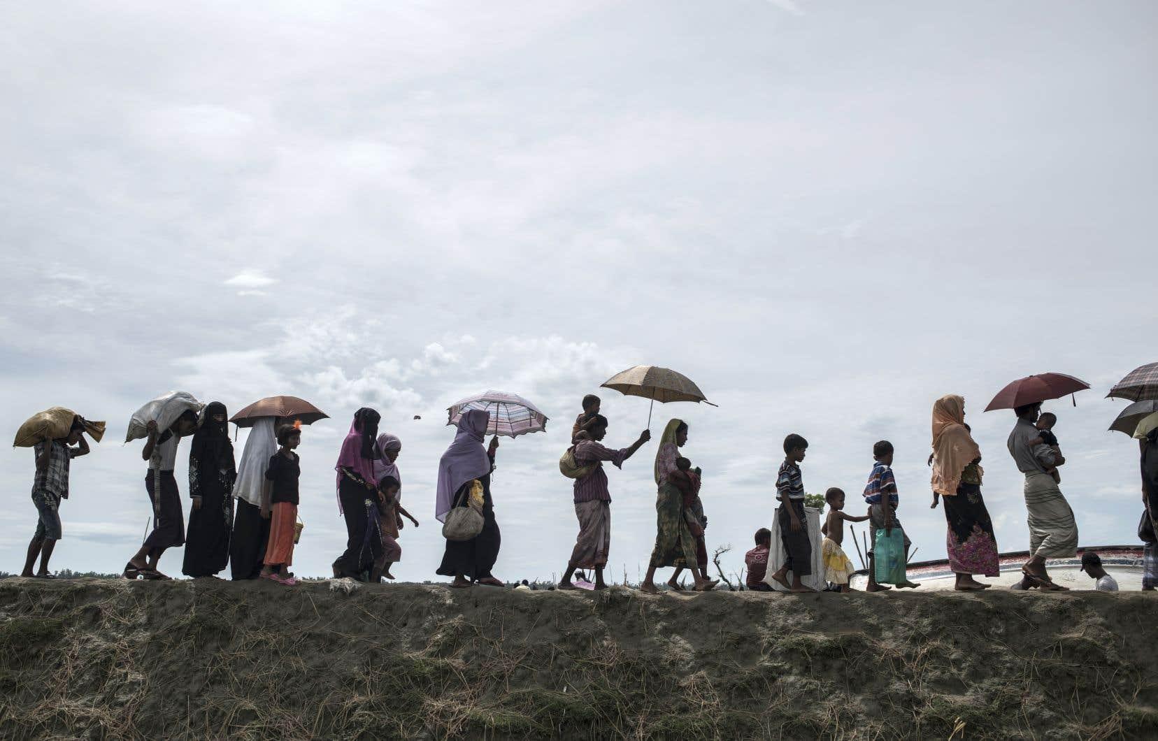 Plus d'un demi-million de Rohingyas sont passés au Bangladesh voisin depuis le 25 août.<br />