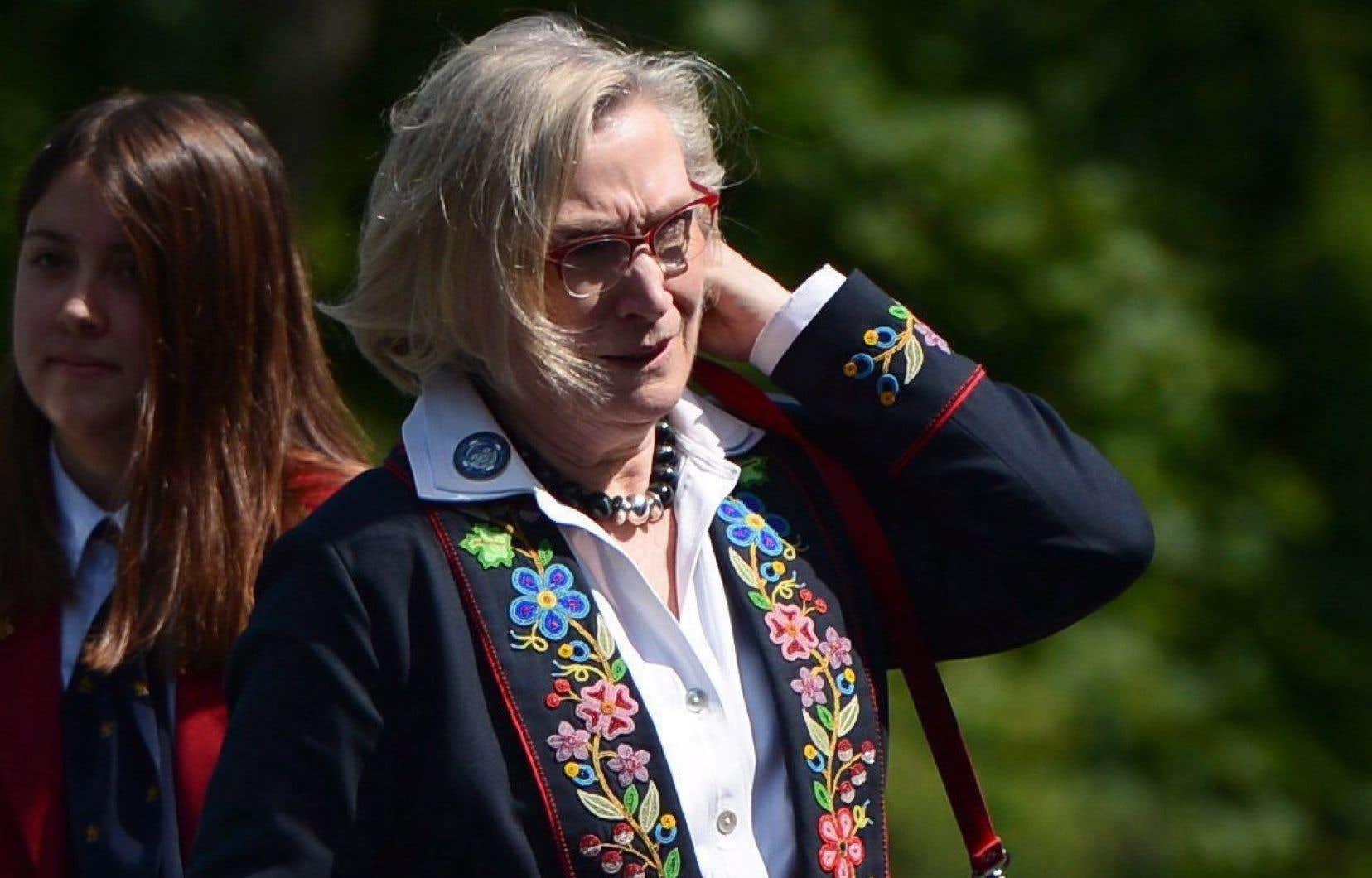 La ministre des Relations Couronne-Autochtones et des Affaires du Nord, Carolyn Bennett