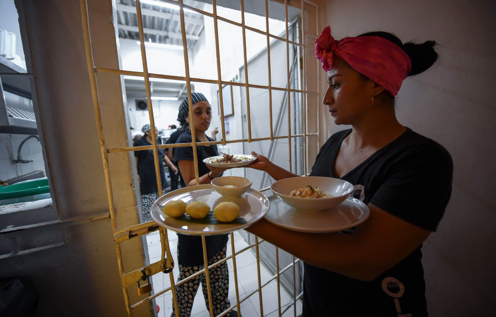 un restaurant gourmet dans une prison de colombie le devoir. Black Bedroom Furniture Sets. Home Design Ideas