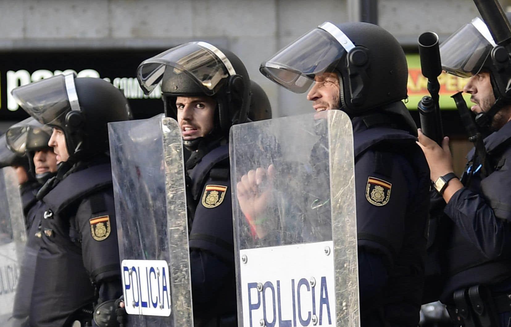 La résistance actuelle de la Catalogne face à l'agression de l'Espagne bénéficierait d'une protection de l'Europe, des Nations unies et de l'opinion publique internationale, estiment les auteurs.