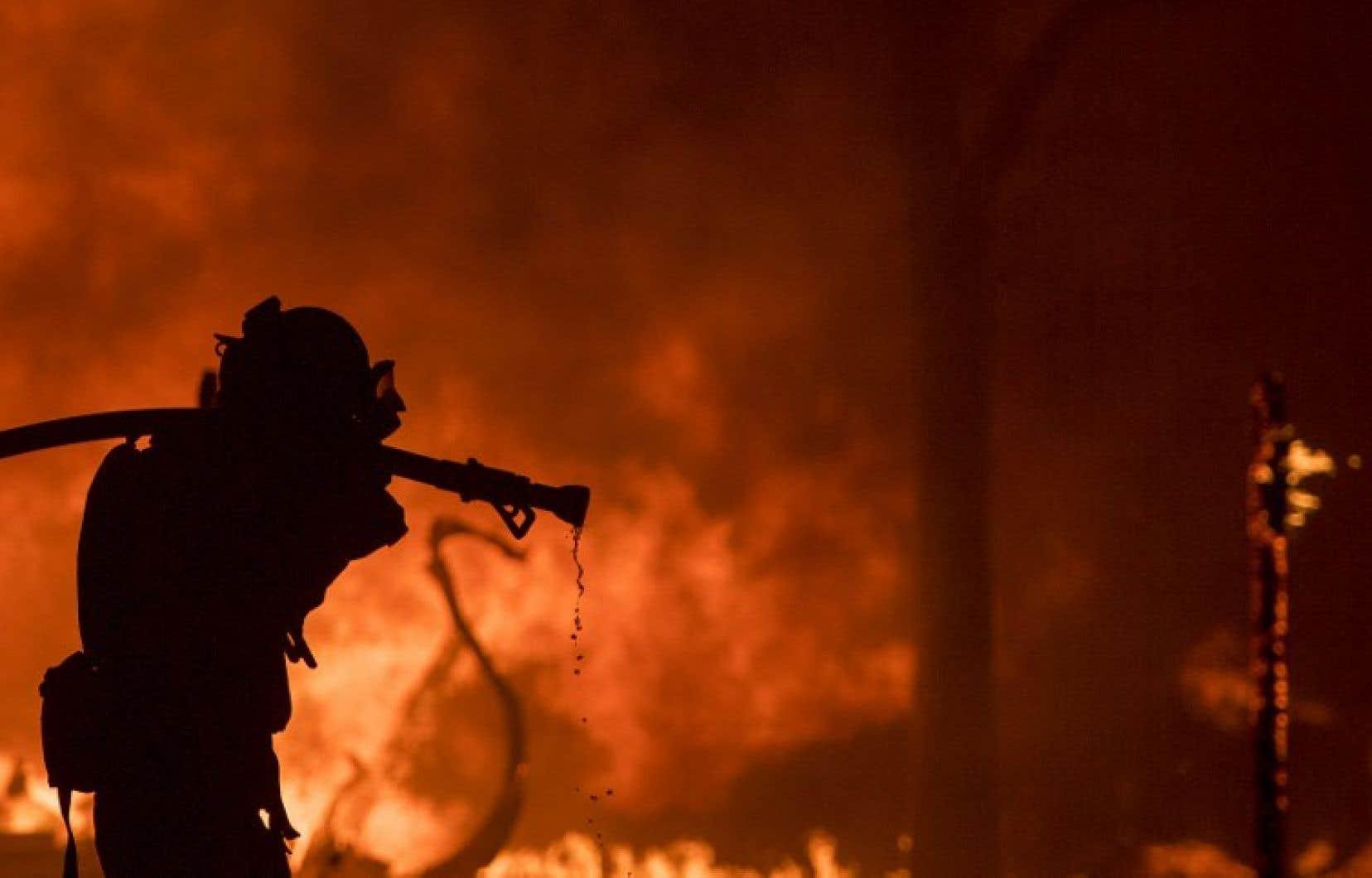 Au total, quatorze feux s'étendant sur plus de 23000 hectares se sont déclarés dans le nord de l'État.