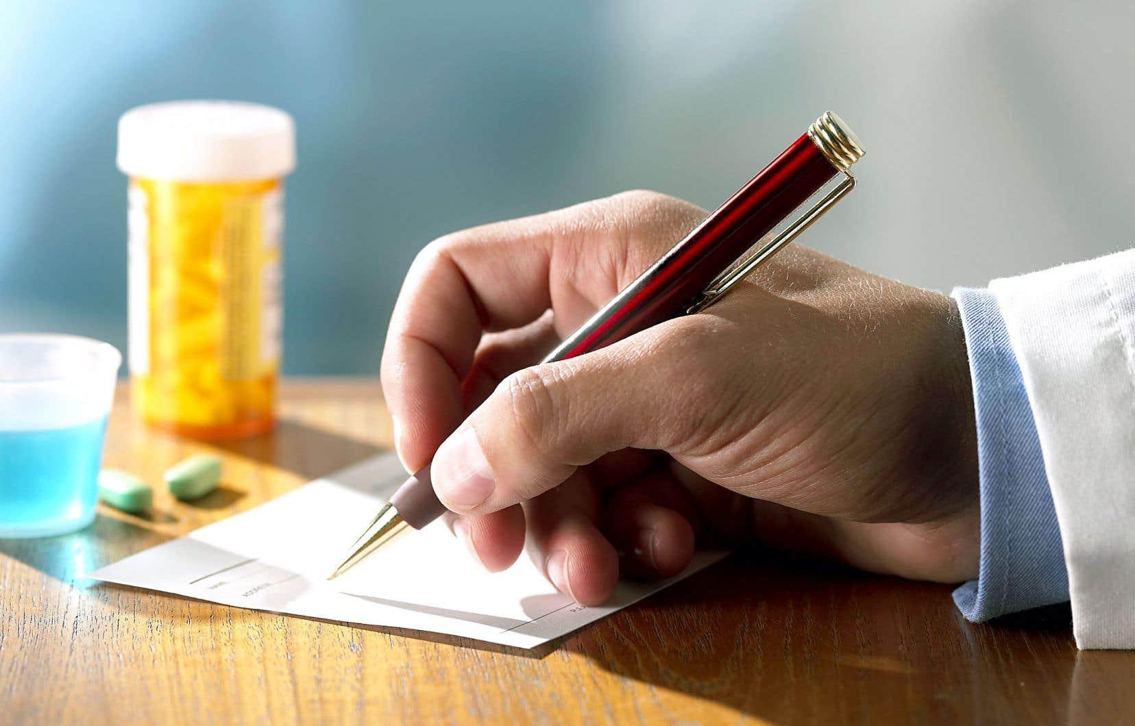 Le Canada est le seul pays développé au monde muni d'un système de santé universel, mais dépourvu d'un régime d'assurance médicaments public.