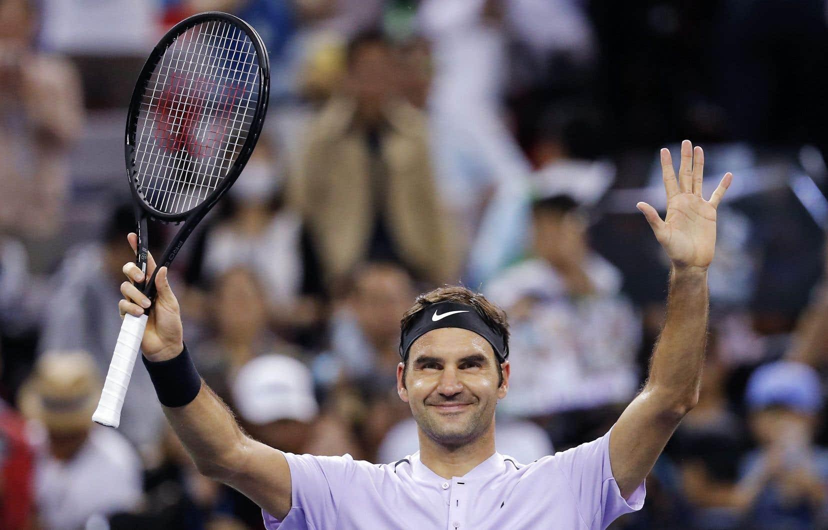 Rafael Nadal et Roger Federer (sur la photo) sont tous deux dans la course pour terminer la saison au premier rang mondial.