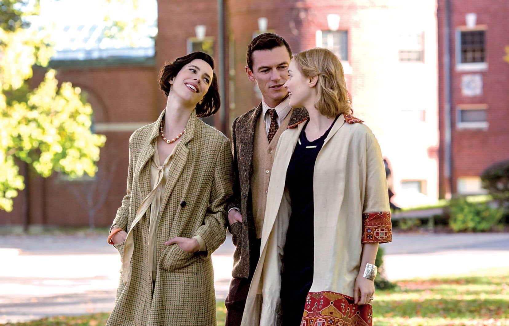 «Professor Marston and the Wonder Women» présente un célèbre ménage à trois devenu une famille atypique, chose peu courante aux États-Unis dans les années 1930.