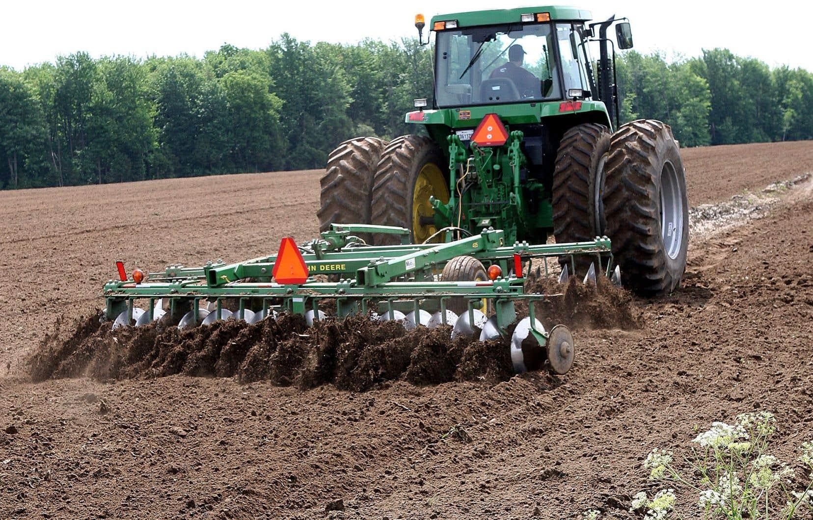 Selon les calculs de l'Union des producteurs agricoles, près de 2000 hectares de terres agricoles sont ciblés pour des usages non agricoles.