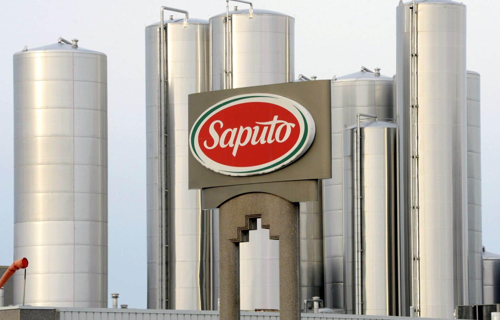 Le producteur laitier québécois Saputo détient un peu moins de 10% des parts de marché en Australie, ajoutant que l'ajout de la coopérative australienne lui permettrait de détenir environ 50%.