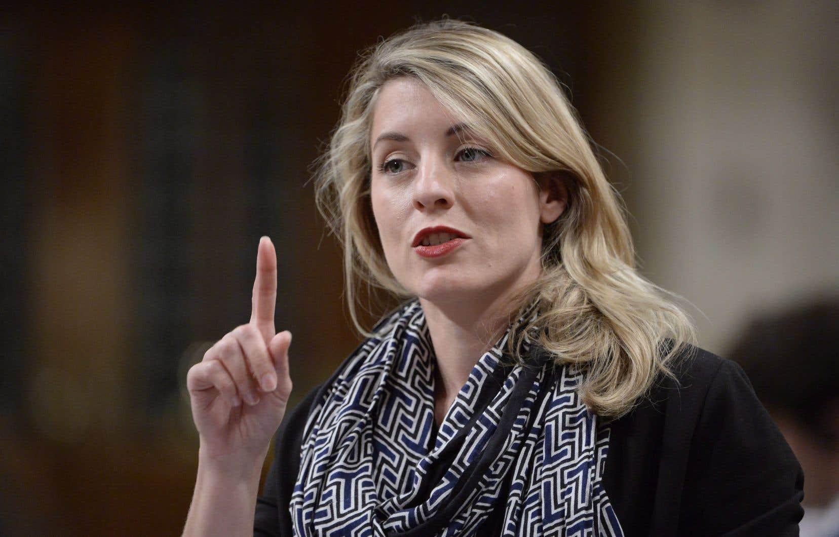 Dans plusieurs entrevues, la ministre Mélanie Joly a laissé entendre qu'aucun pays au monde n'a trouvé la réponse à la question de savoir comment avoir une taxation pour les biens et services numériques.