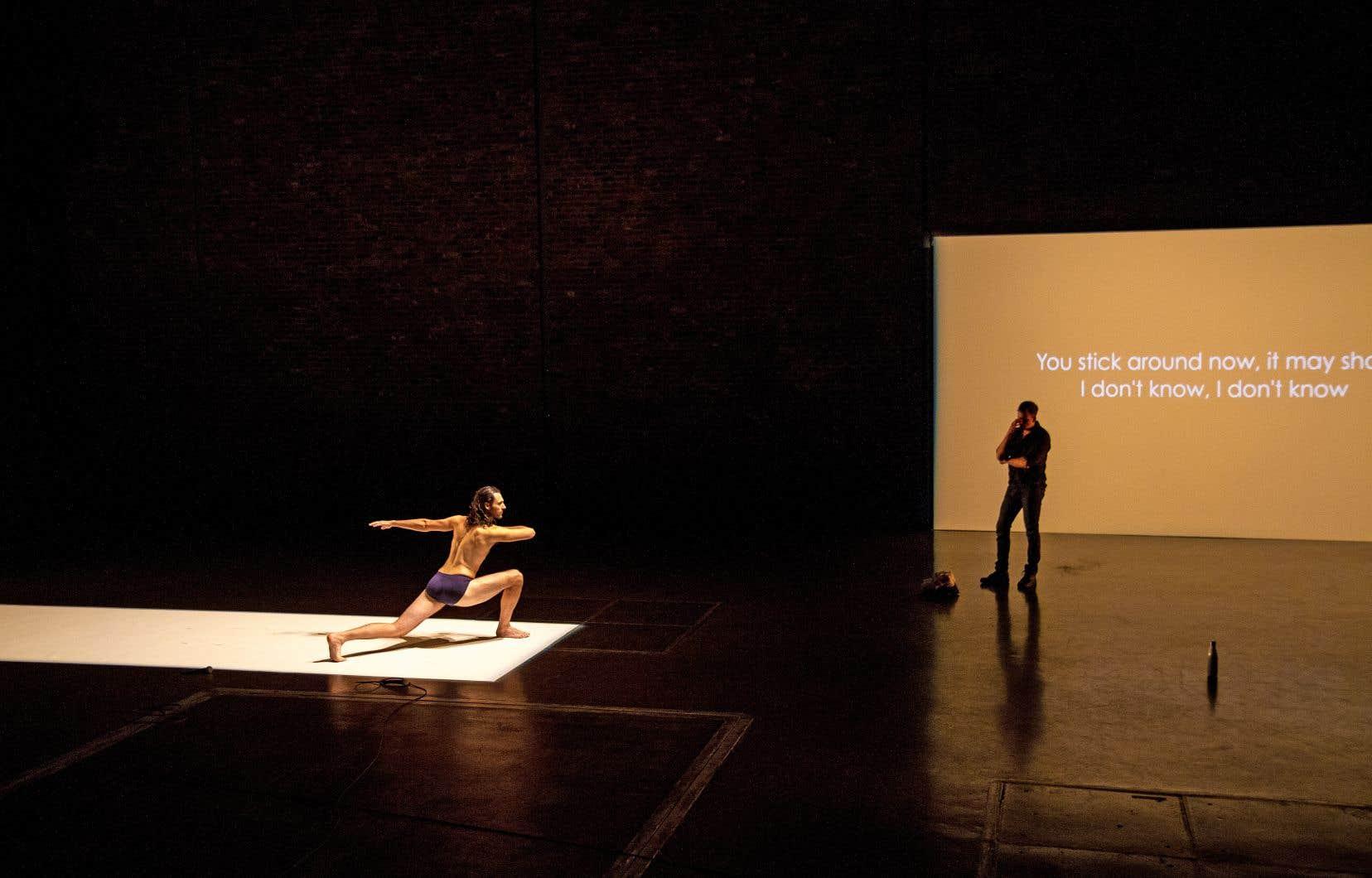 Faisant figure d'amants regrettés, d'alter ego, ou encore de cet autre qui nous révèle souvent à nous-mêmes, les danseurs hantent la rêverie de l'unique personnage interprété par Éric Bernier.