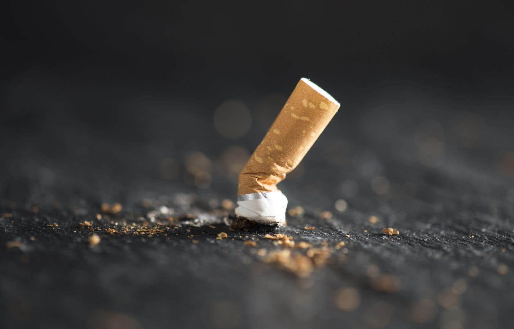 L'OIT a jusqu'à présent expliqué ses liens avec les producteurs de tabac en disant que cela lui donnait un moyen d'aider à l'amélioration des conditions de travail de quelque 60millions de personnes employées dans la culture du tabac et la production de cigarettes dans le monde.