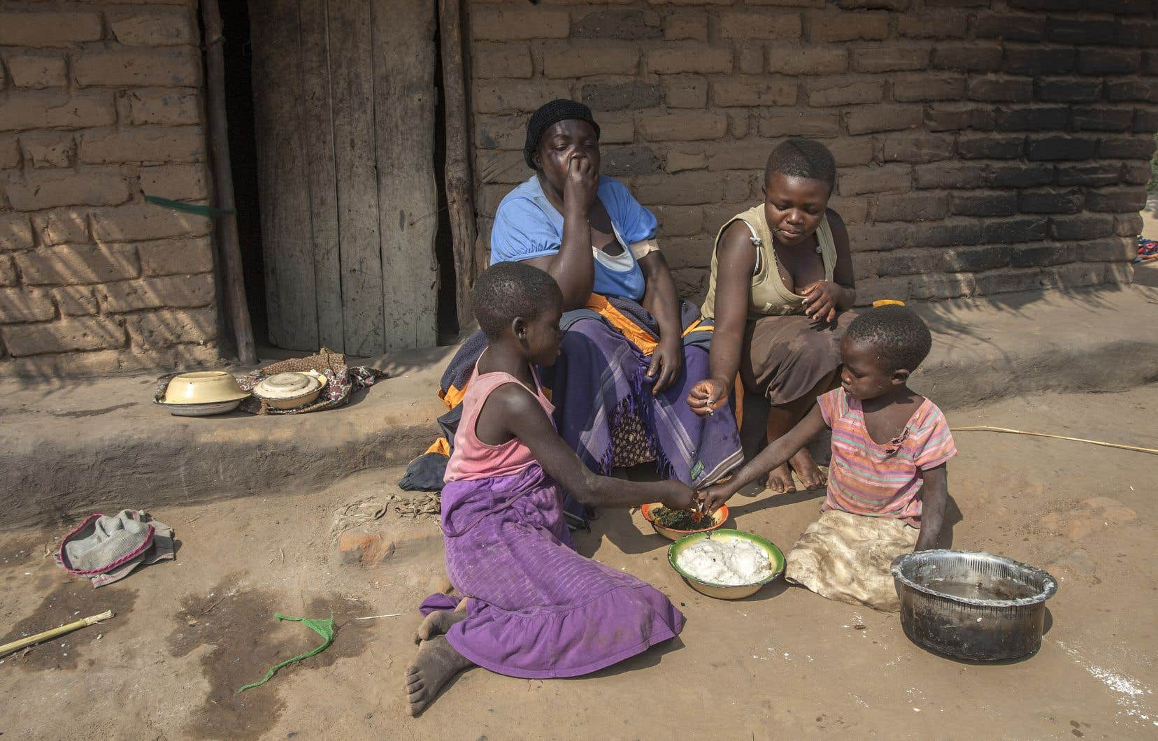 <p>Dans les 146 pays étudiés, l'âge de la paternité est en moyenne de 33,6ans, contre 28ans pour celui de la maternité.</p>