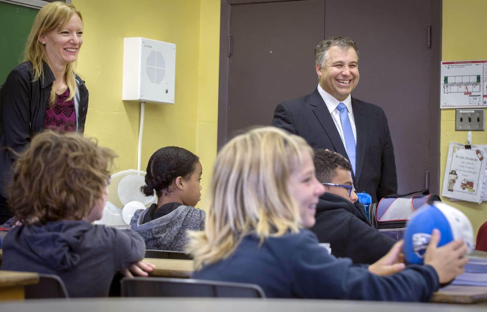Le ministre de l'Éducation Sébastien Proulx s'est engagé à accélérer l'implantation des apprentissages en éducation sexuelle.