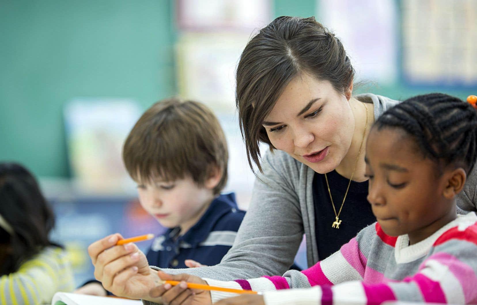 Au Québec, entre 25et 30% des enseignants décrochent dans la première année, et ce pourcentage monte à 50% dans les cinq premières années de carrière.