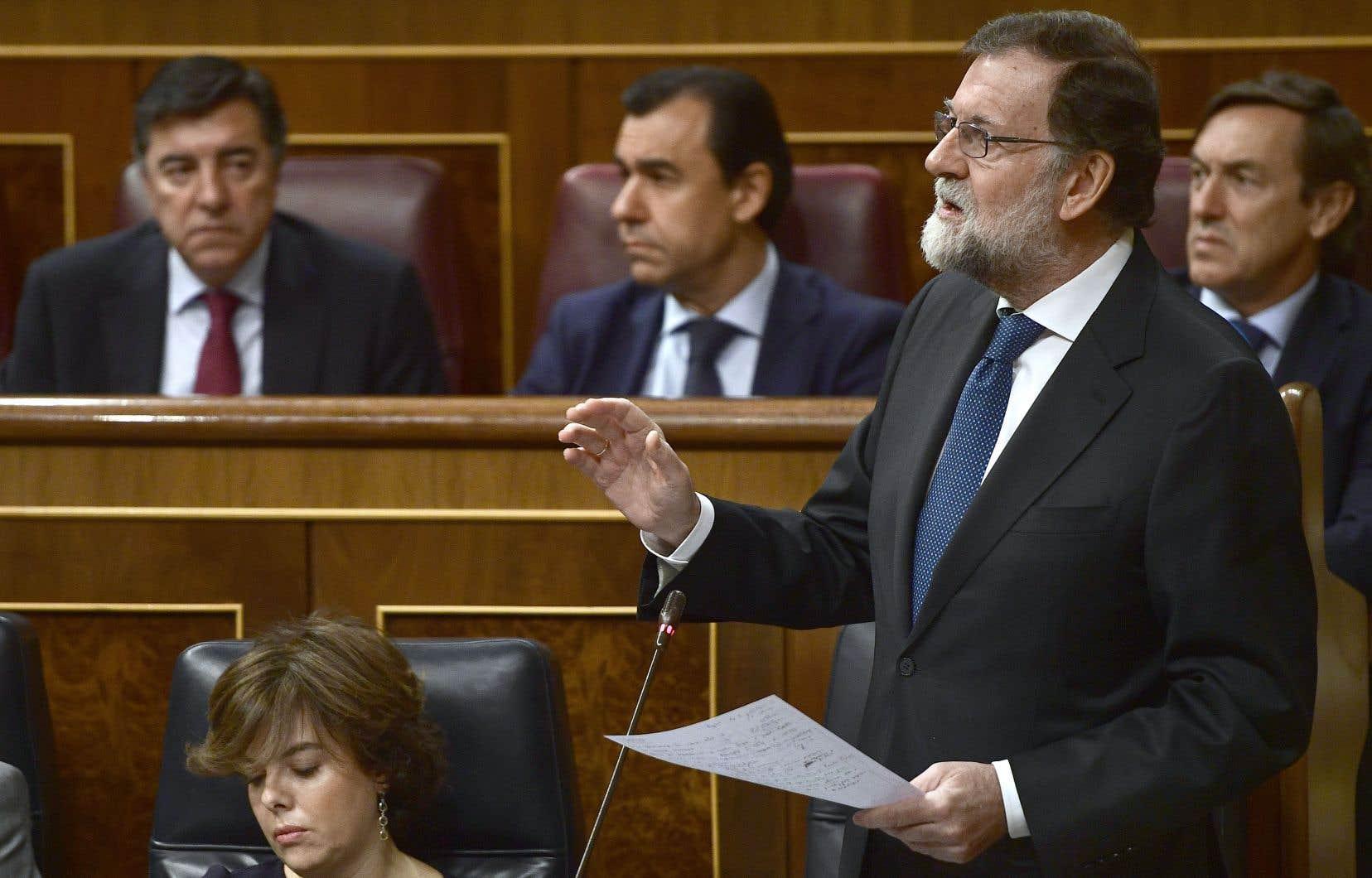Le président espagnol, Mariano Rajoy, exige notamment une déclaration formelle du président catalan écartant toute déclaration d'indépendance.