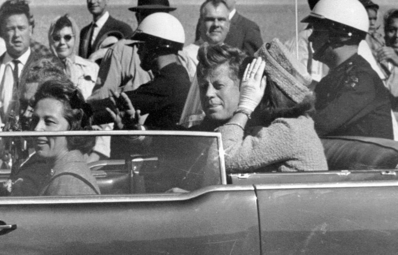 John F. Kennedy et son épouse Jacqueline, le 22 novembre 1963 à Dallas