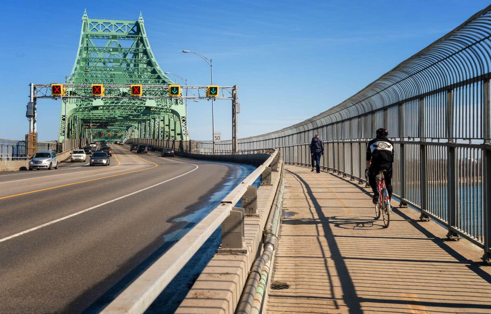 Les liens cyclables entre Montréal et la Rive-Sud ont été oubliés dans le débat municipal.