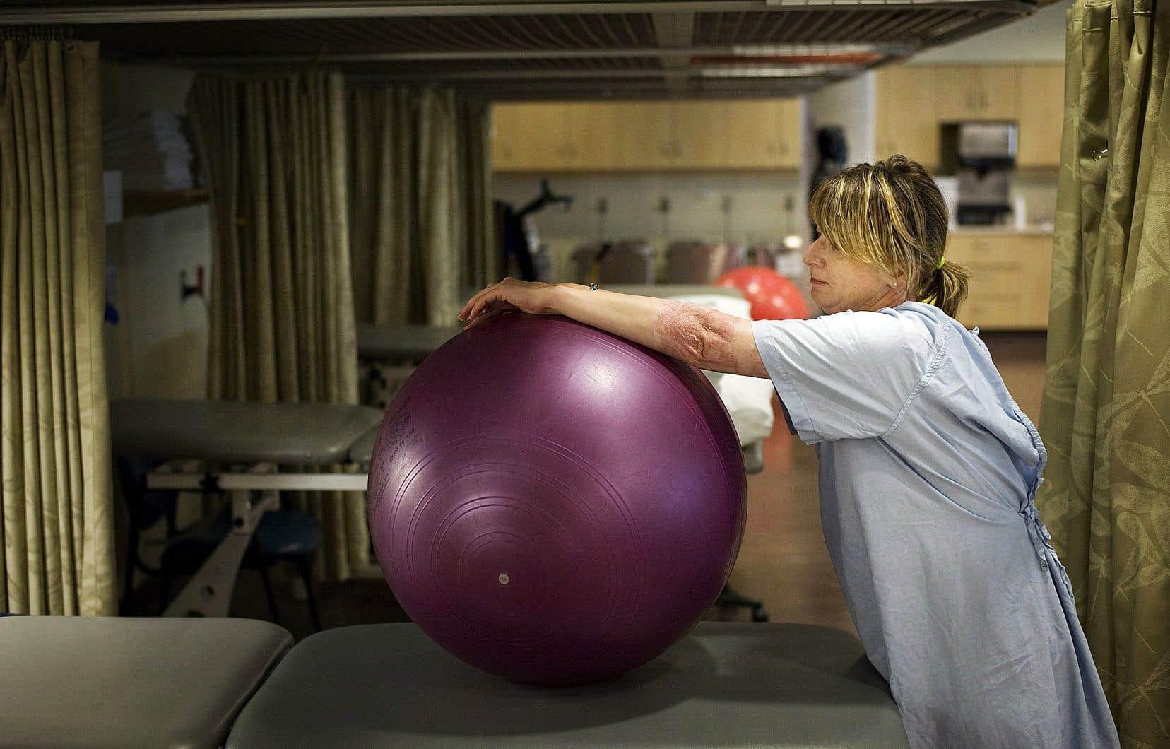 L'attente en physiothérapie s'accroît au Québec.
