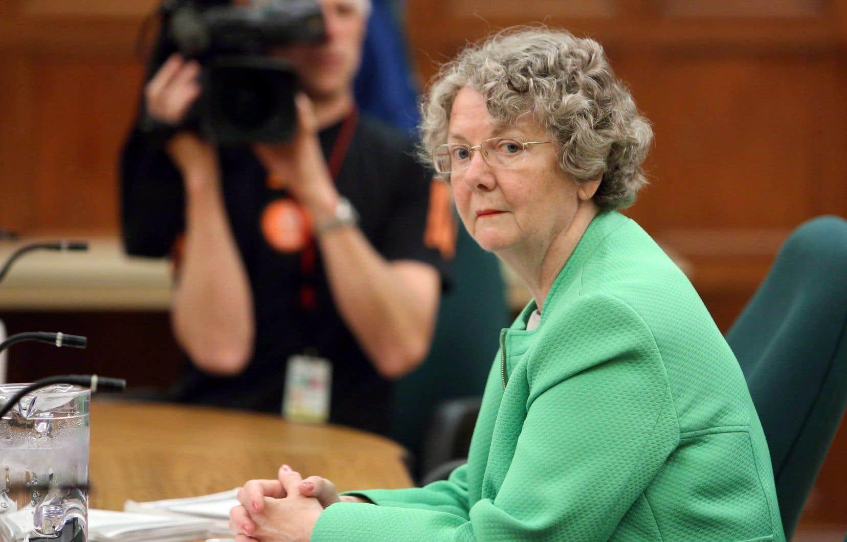La commissaire aux conflits d'intérêts et à l'éthique,Mary Dawson.