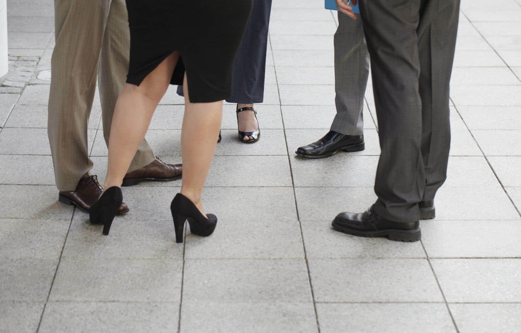 Les femmes à la tête d'entreprises rapportent travailler près de 60 heures par semaine, soit 10 heures de plus que les hommes.